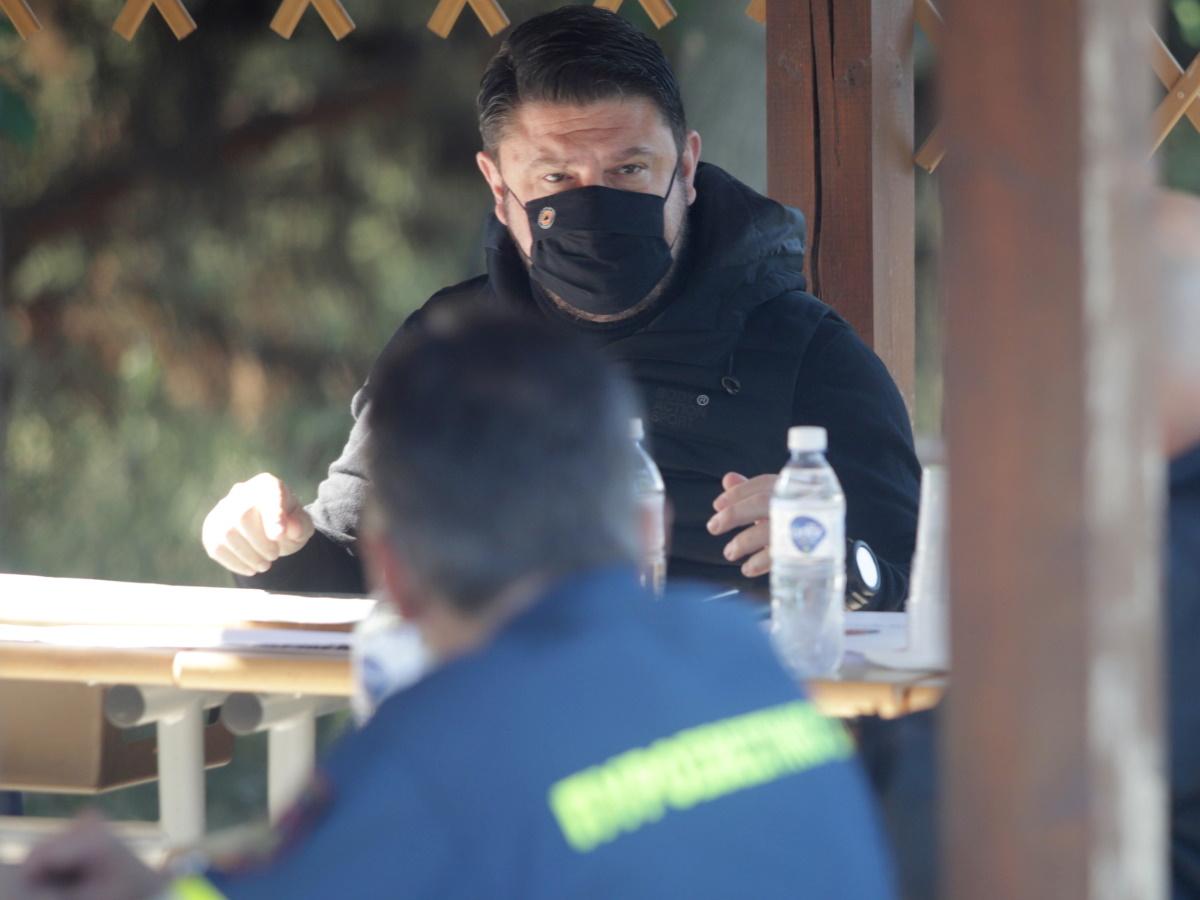 Νίκος Χαρδαλιάς: Όταν έκανε… επικοινωνιακό καθαρισμό στο Τατόι και διαφήμιζε την «αντιπυρική θωράκιση»